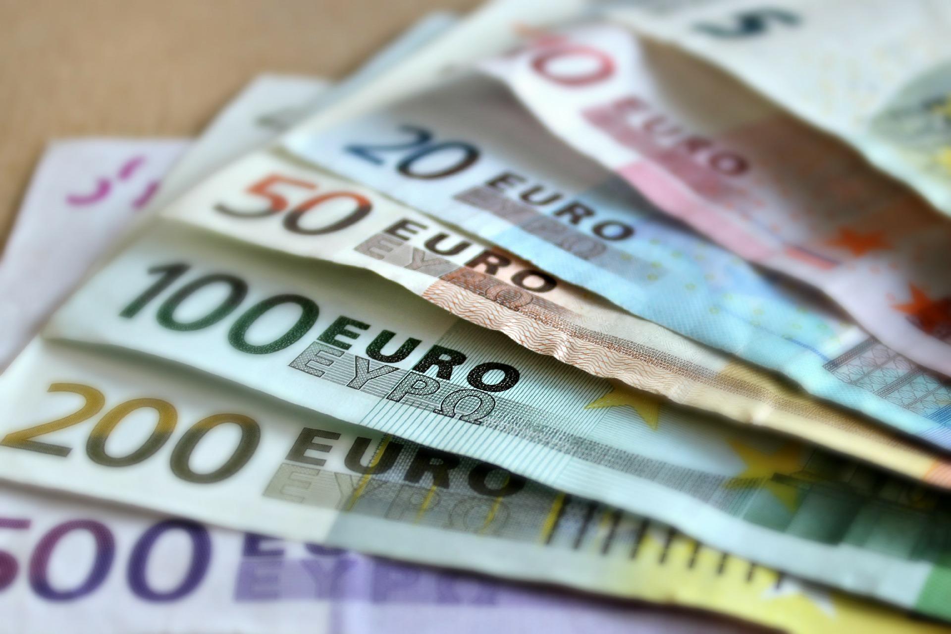 Komisja Europejska prowadzi konsultacje w sprawie roli waluty euro w obszarze energii